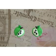 Cercei mere verzi in sectiune