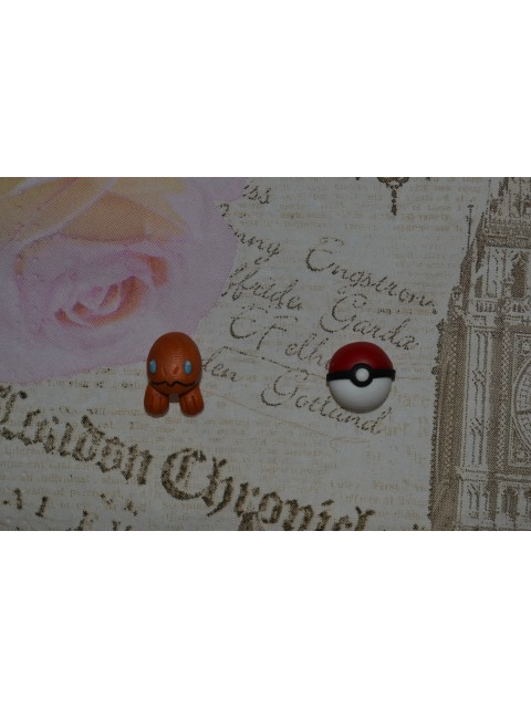Cercei Pokemon Pokeball Charmander